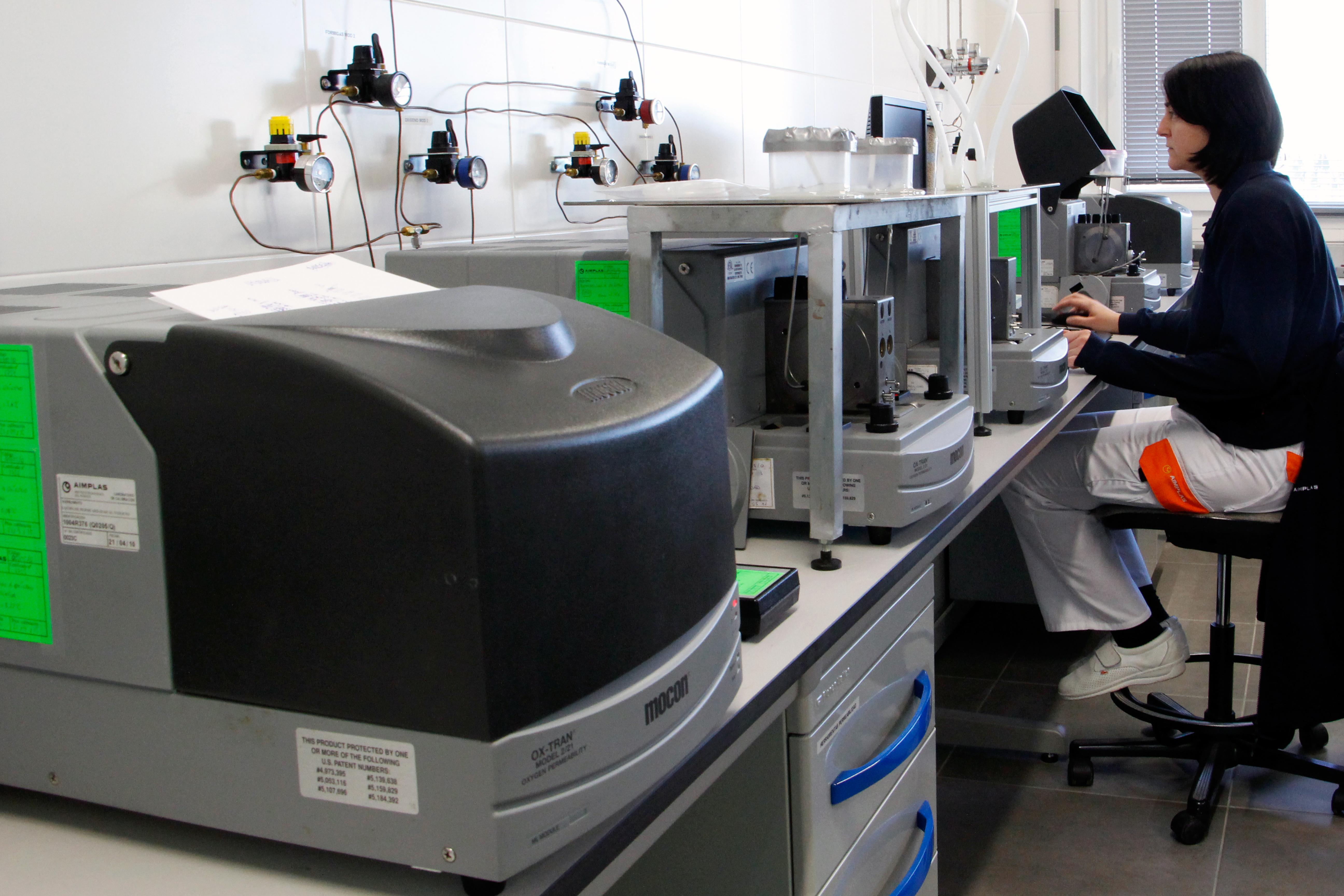 Ensayos de permeabilidad al vapor de agua para envases